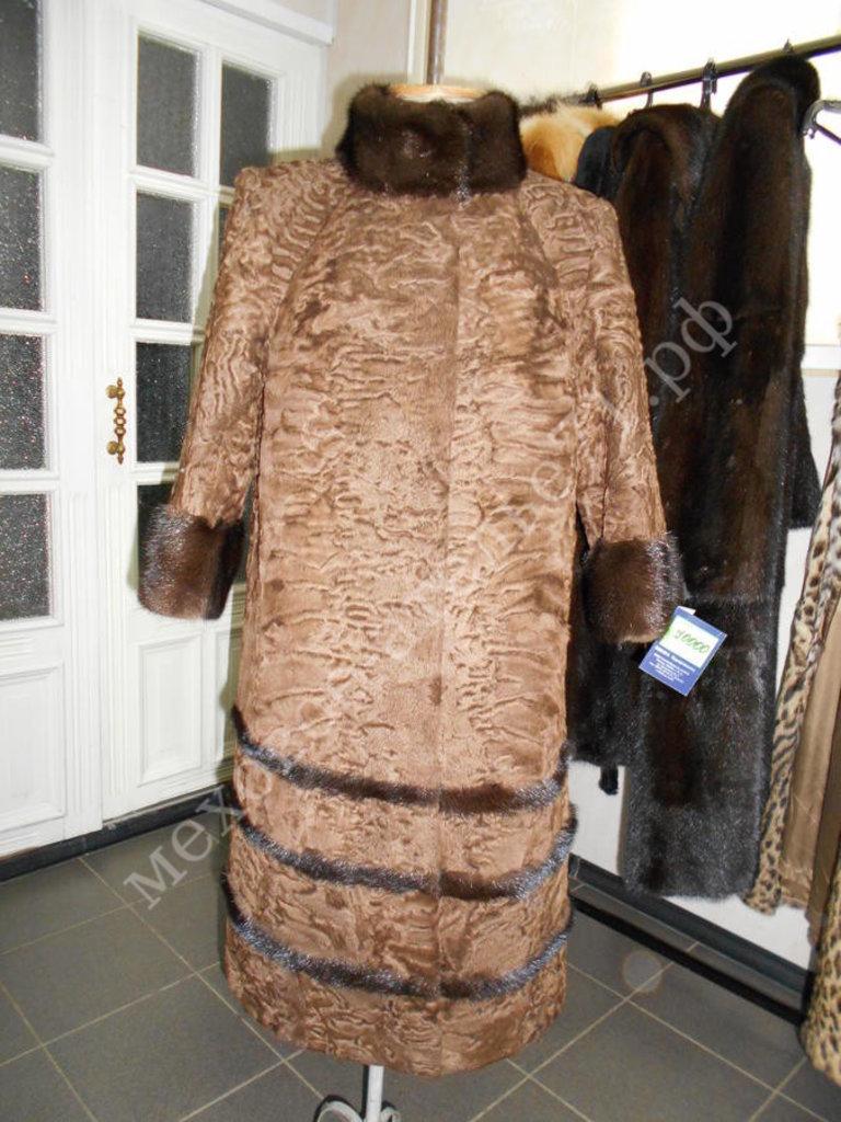 Индивидуальный пошив: Шуба из коричневого каракуля с отделкой норка в Молодость