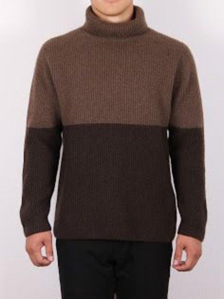 Мужская одежда: Свитер из шерсти яка и верблюда в Сельский магазин
