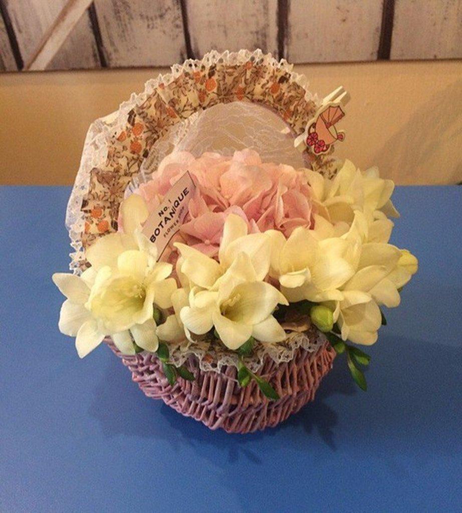 """Корзины цветов: """"Цветочная Люлька"""" Букет для новорожденного в Botanique №1,ЭКСКЛЮЗИВНЫЕ БУКЕТЫ"""