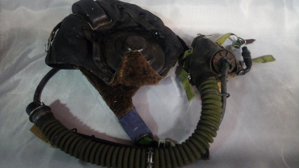 Старые вещи: Зимний шлемофон военного летчика с кислородной маской советского периода в Модели кораблей