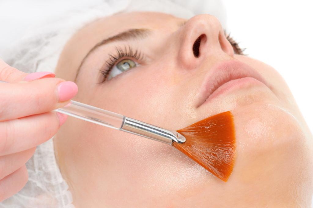 Косметологические услуги: Химический пилинг в Косметический кабинет в ТЦ ЦУМ, ИП Кочнева Т.В.