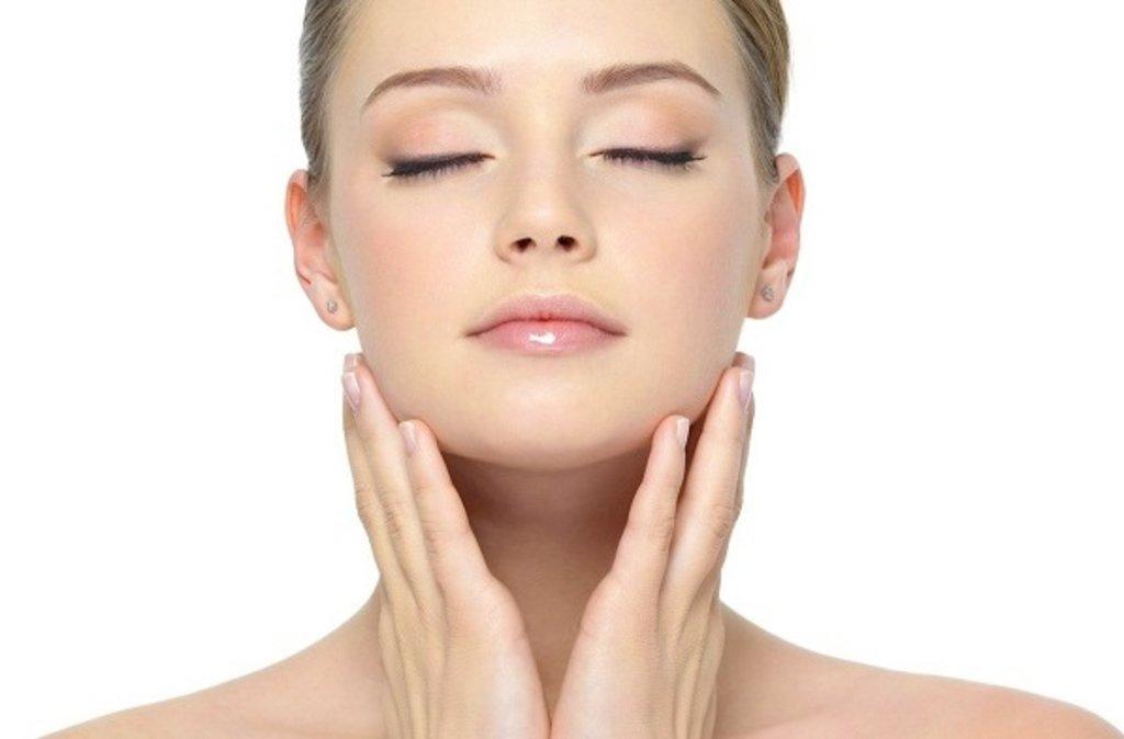 Чистка лица: Чистка атравматическая + маска-крем SkinClinic (Испания) в Амалуна, медицинский центр