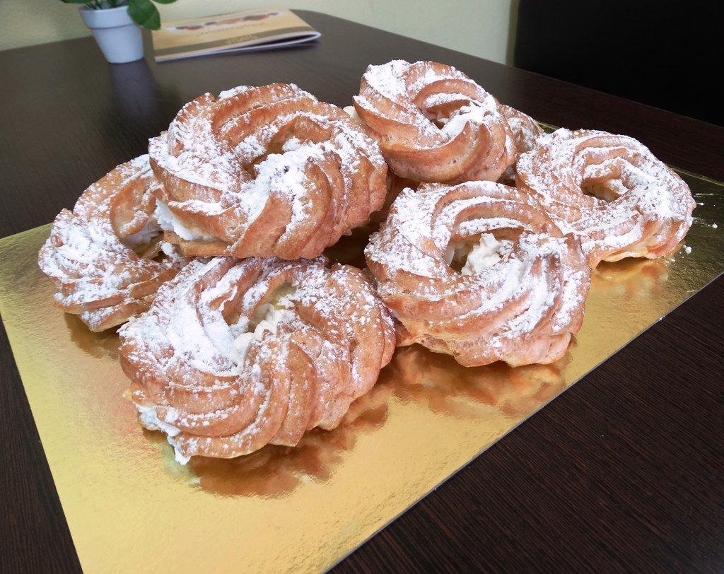 """Пирожные: Кольцо со взбитыми сливками 50 гр в Пекарня """"Ваниль"""""""