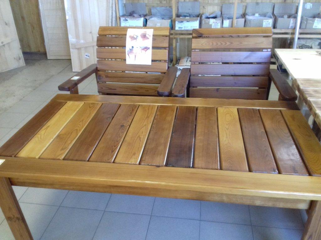 Стол и кресла из термо-доски (лакированные) в Погонаж