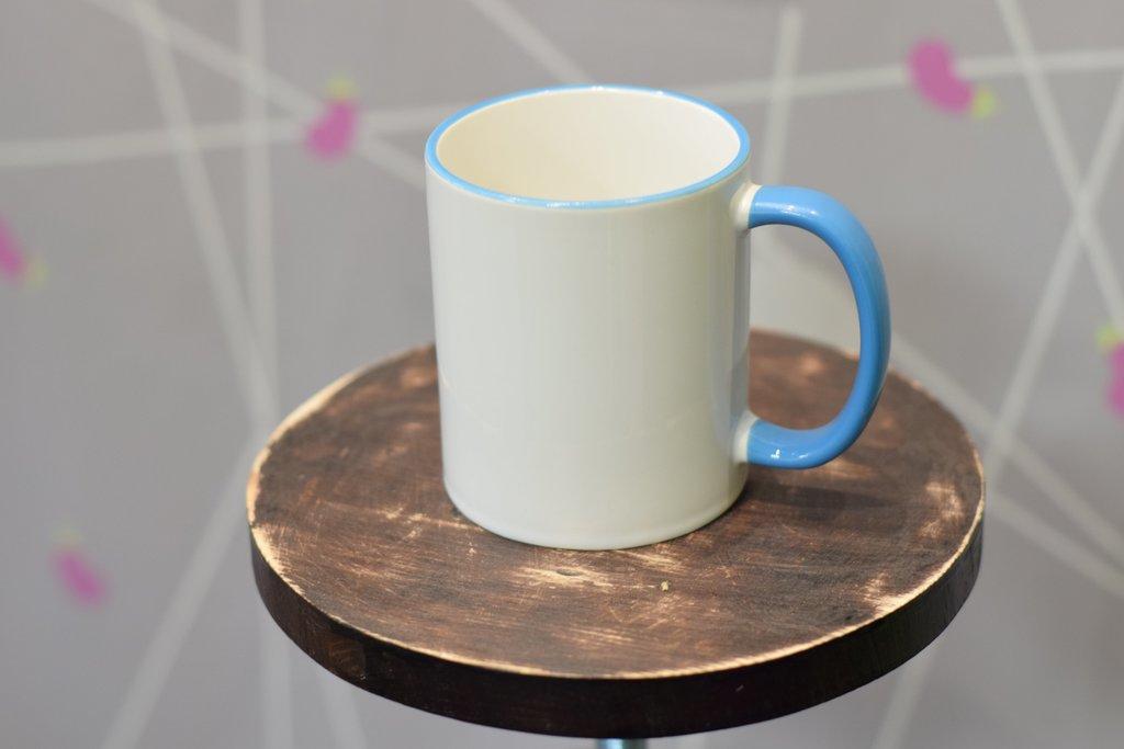 Чашки и кружки: Кружка белая с цветным ободком и цветной ручкой в Баклажан, студия вышивки и дизайна