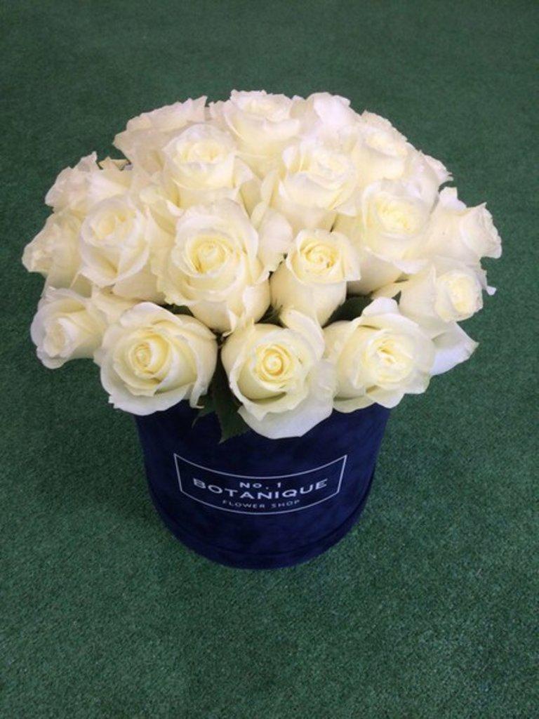 """Premier Бархат: Premier Бархат"""" с Классическими розами (25 роз Эквадор) в Botanique №1,ЭКСКЛЮЗИВНЫЕ БУКЕТЫ"""