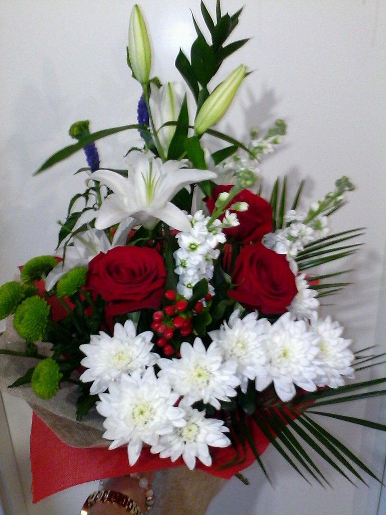 Букеты: Букет № 3 в Николь, магазины цветов