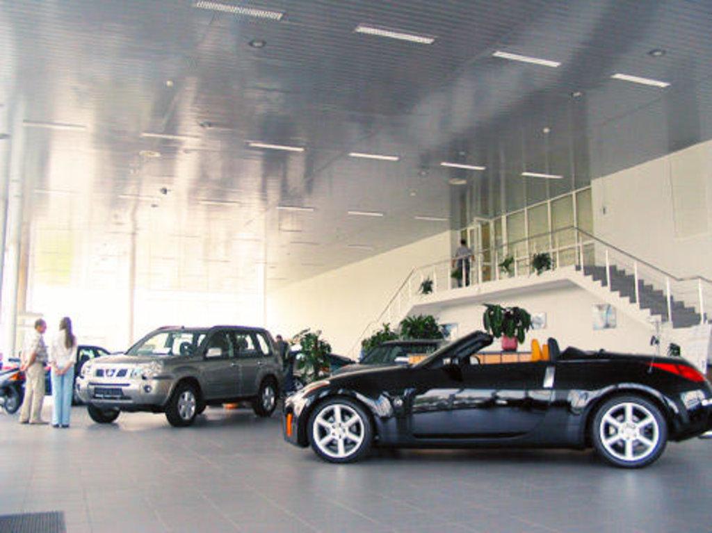 Реечные потолки: Реечный потолок закрытого типа AN85AС суперхром-люкс А742 в Мир Потолков