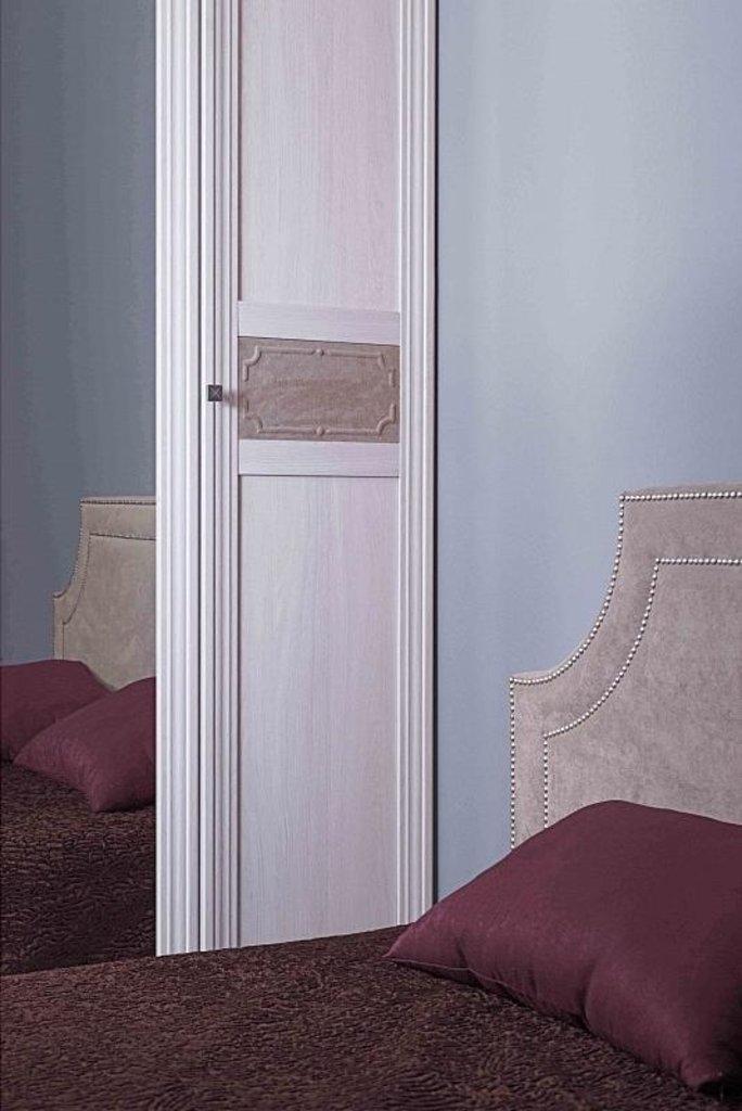 Шкафы для одежды и белья: Шкаф для одежды Карина 54 (Стандарт+Зеркало) в Стильная мебель