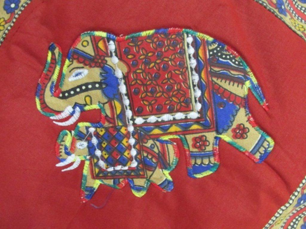 """Наволочки: Наволочка """"Слоны"""". Аппликация, вышивка в Шамбала, индийская лавка"""
