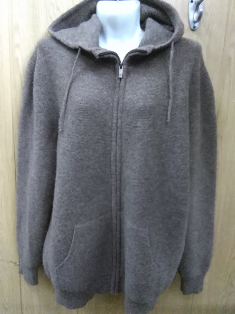 Женская одежда: Джемпер из шерсти яка на замке с капюшоном в Сельский магазин
