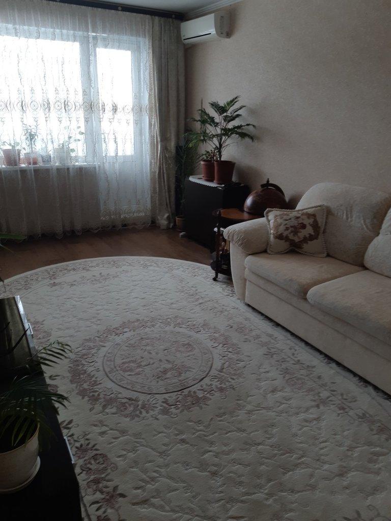 3-комн. квартира: г. Орск, ул. Сорокина, д. 2 в Континент