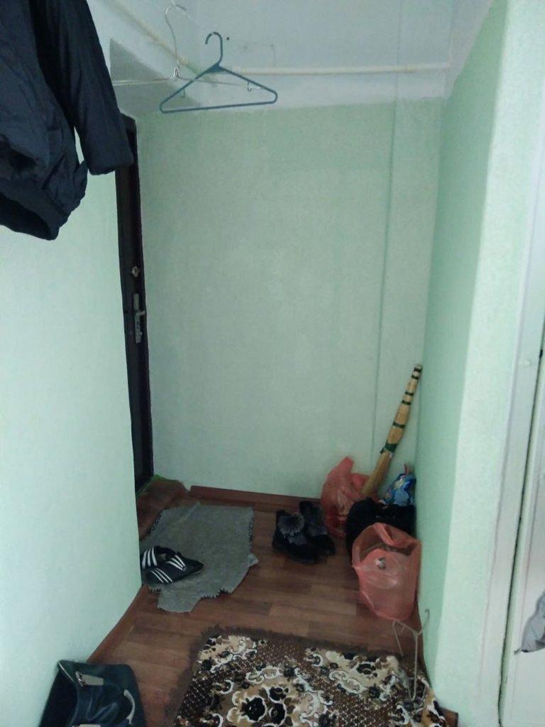 2-комн. квартиры: 2-х комн,кв,в поселке Мясокомбината. В квартире был сделан ремонт,заменена вся проводка,установлены пластиковые окна,заменены батарей,новый линолеум. В доме стены  толстые,летом прохладно а зимой тепло,высокие потолки,квартира чистая,светлая,уютная.Дом находиться в спальном районе. в Эверест