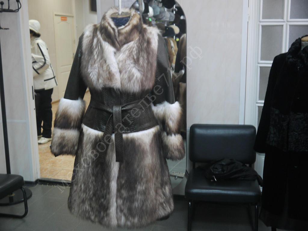 Индивидуальный пошив: Комбинированное пальто трансформер из енота с кожей в Молодость