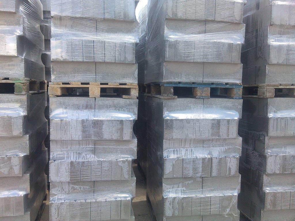 Керамзит, шунгизит: Блоки керамзитобетонные и доломитобетонные в Самаре и области. в Аэроплан, ООО