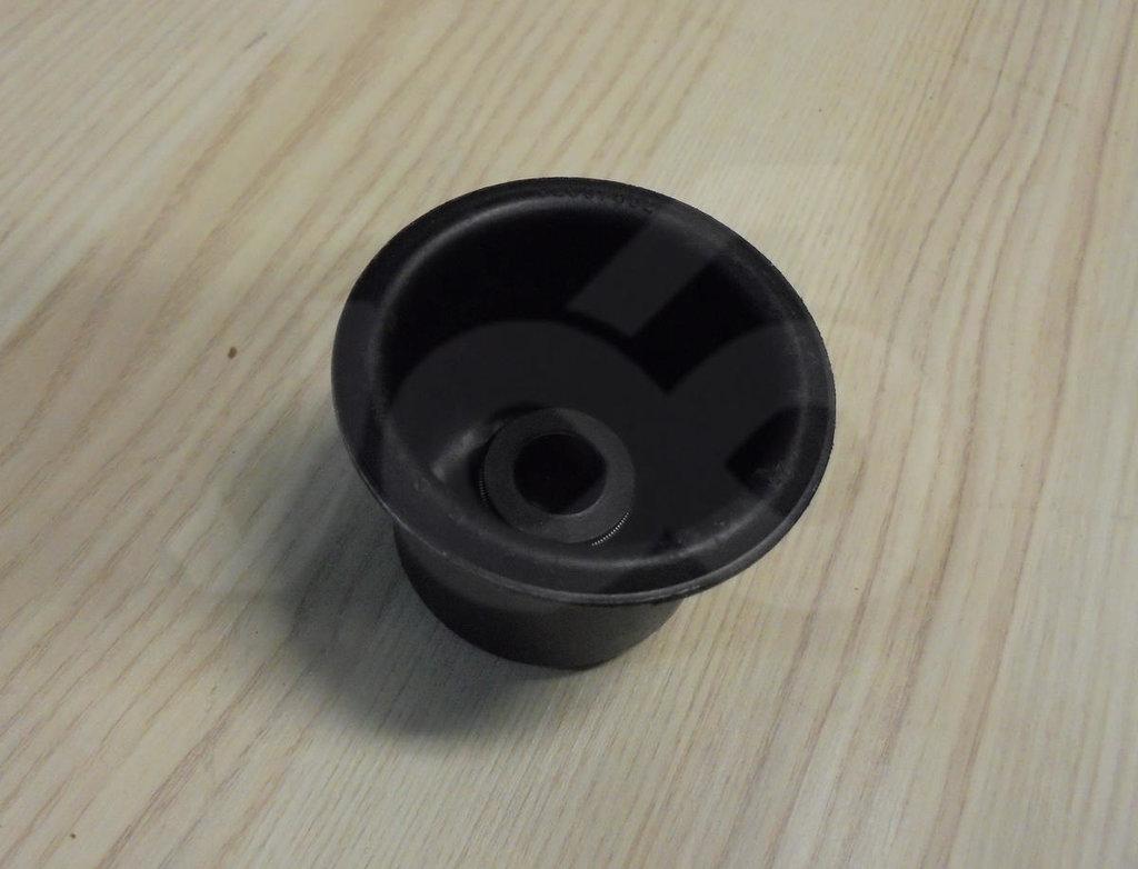 Автогрейдер  ИМПОРТ: Уплотнение 82037652 пыльник (ДЗ-122) в ПЕРИТОН