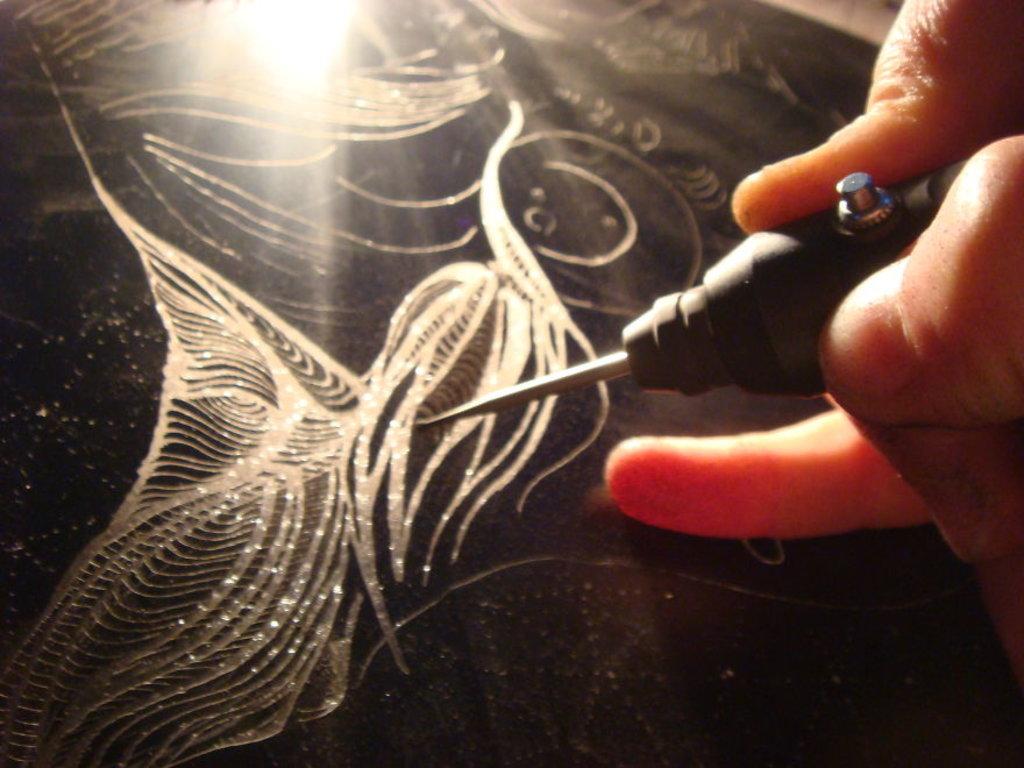 Услуги гравировки: Гравировка на стекле в Граверная и ювелирная мастерская, ИП Сахаров Д.Г.