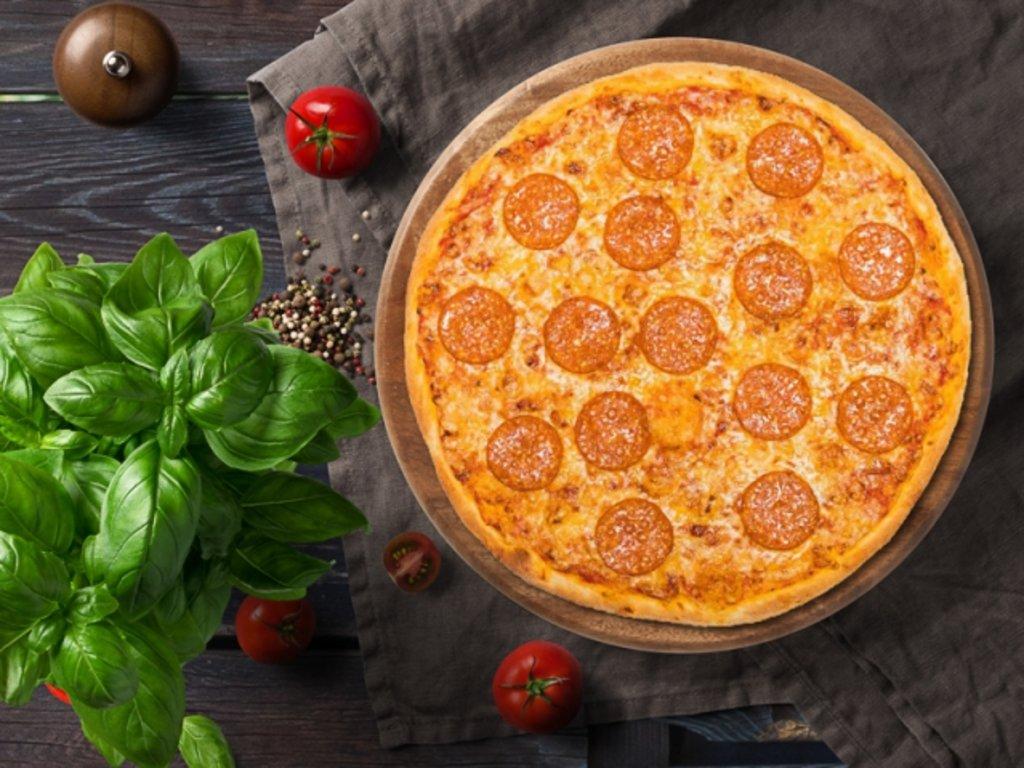 Пицца: Пепперони пицца в МЭСИ суши&роллы