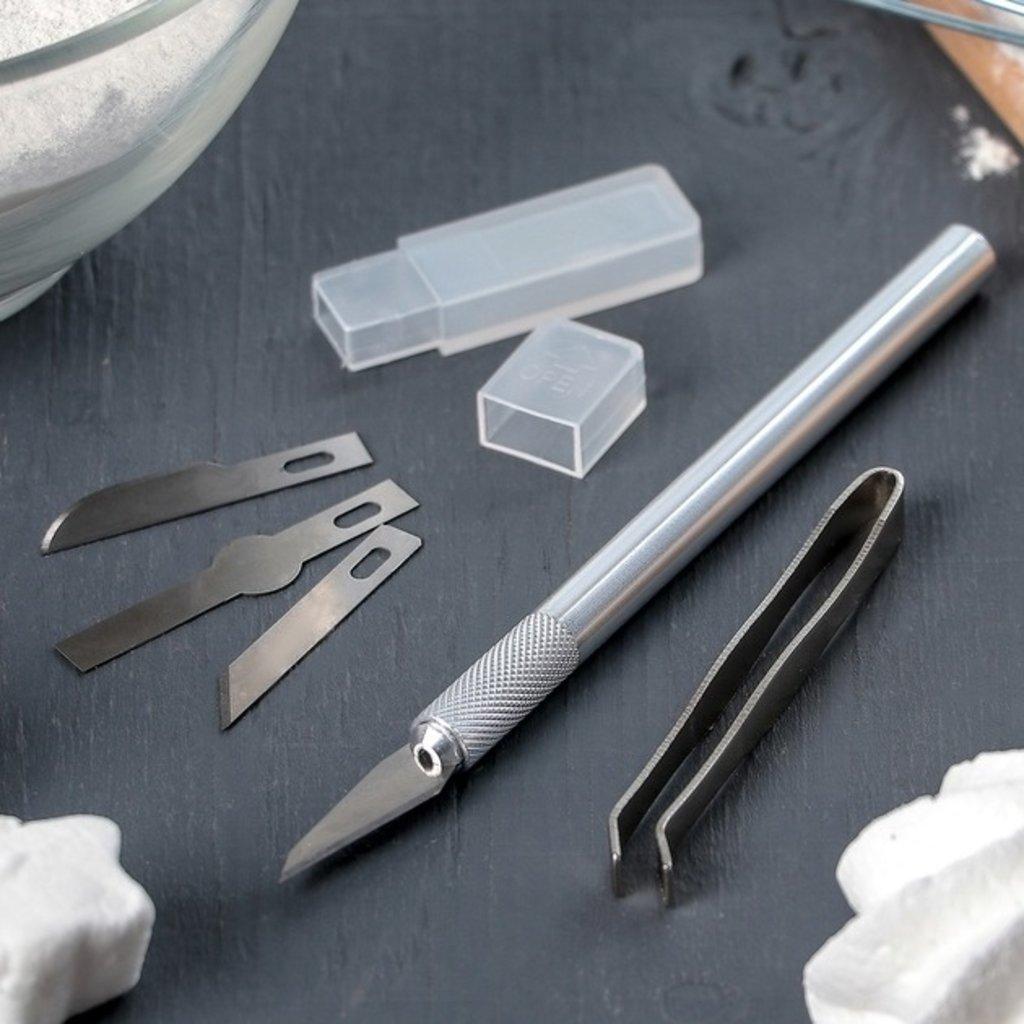 Кондитерский инвентарь: Набор инструментов для украшения кондитерских изделий: держатель, 4 насадки, щипцы в ТортExpress