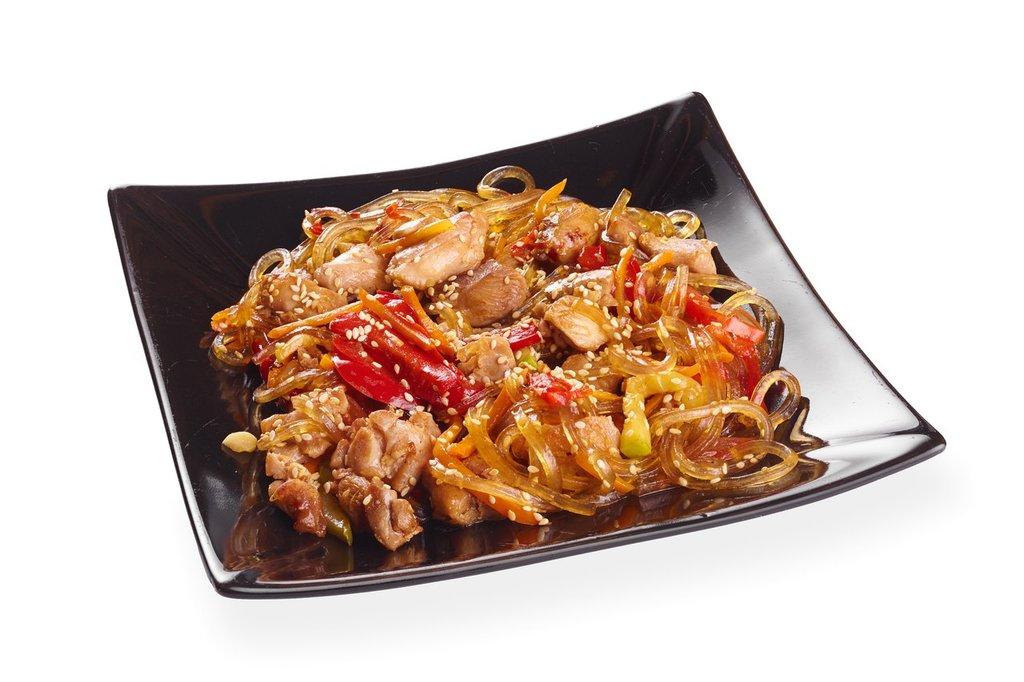 Диетическое меню: Лапша рисовая с курицей и овощами 250гр в Смак-нк.рф