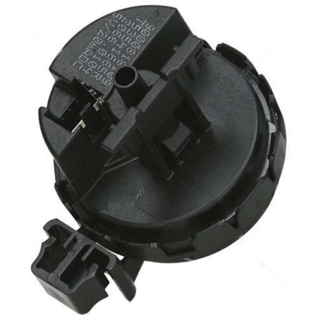 Датчики/выключатели/переключатели: Прессостат (датчик уровня воды) аналоговый для стиральных машин Bosch (Бош), Siemens (Сименс), Neff (Нефф) 637136, 00637136 в АНС ПРОЕКТ, ООО, Сервисный центр