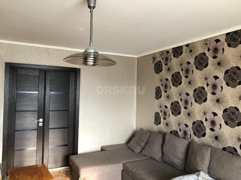 2-комн. квартира: г. Орск, проспект Ленина, д.126 в Континент