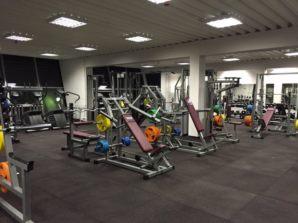 Тренажёрный зал в Графит, фитнес-клуб
