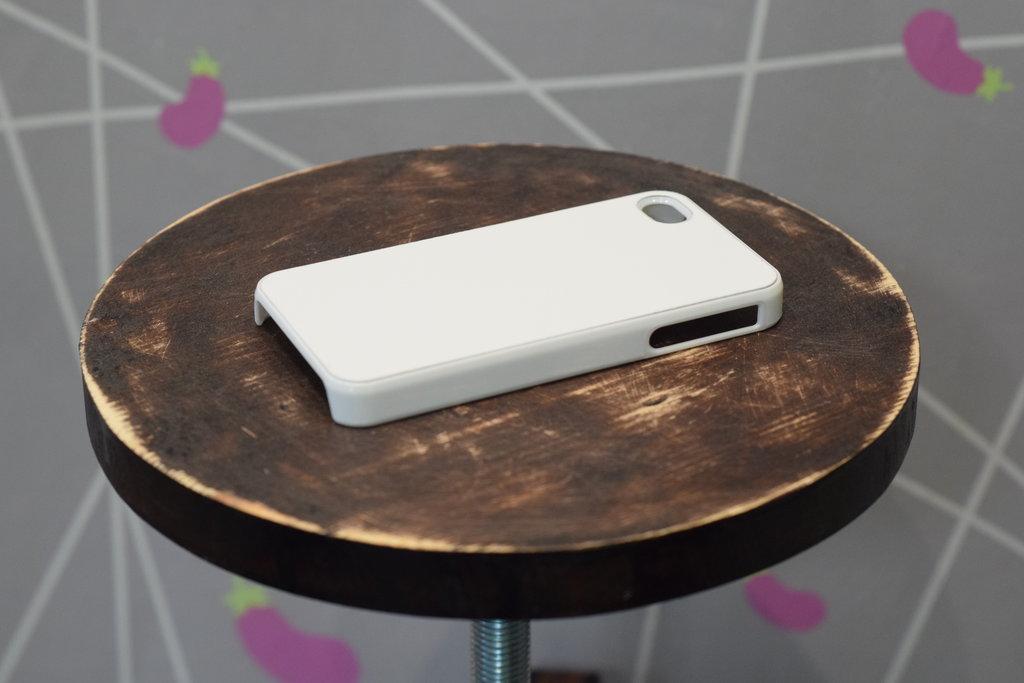 Чехлы: Пластиковый чехол для Iphone 5/5S в Баклажан  студия вышивки и дизайна