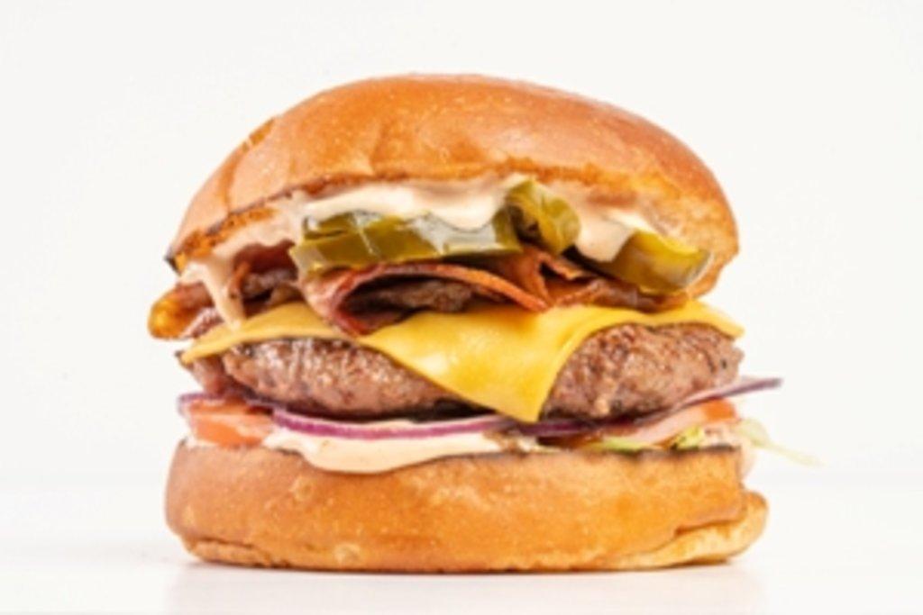 Бургеры с говядиной: Халабекон в Tesla Burger Тюмень