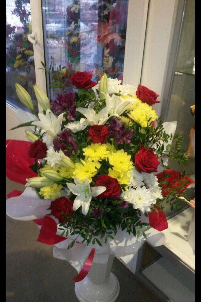 Букеты: Букет № 6 в Николь, магазины цветов