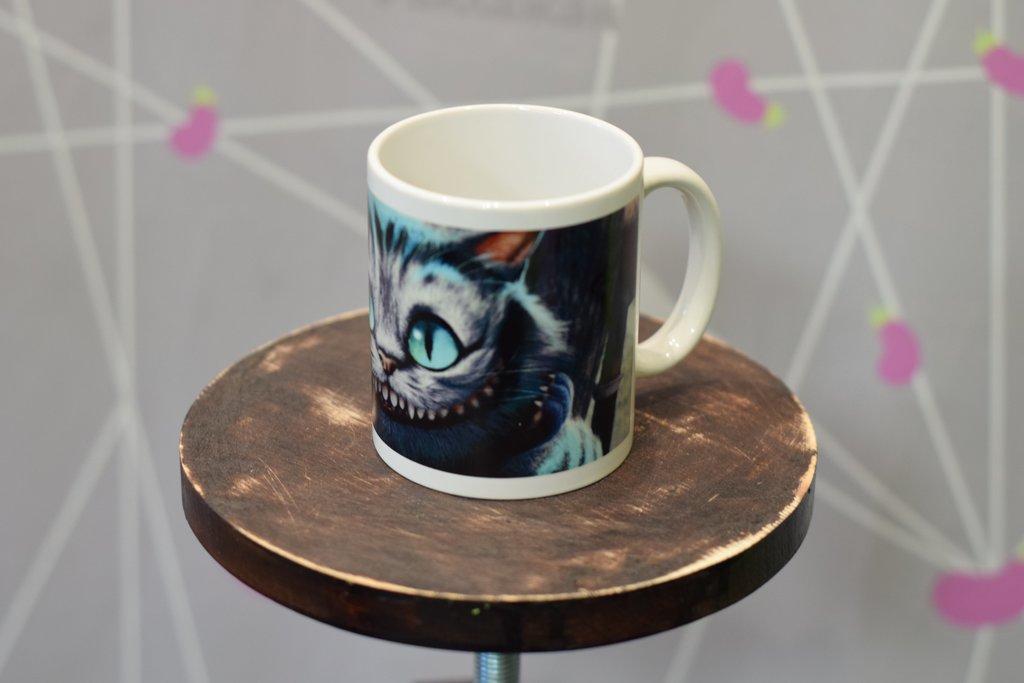 Чашки и кружки: Кружка белая флуоресцентная в Баклажан, студия вышивки и дизайна