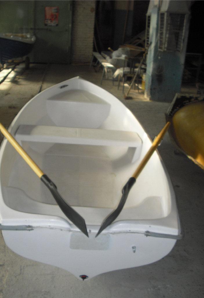 Пластиковые лодки: Лодка  «Спрей 330» в Спарта