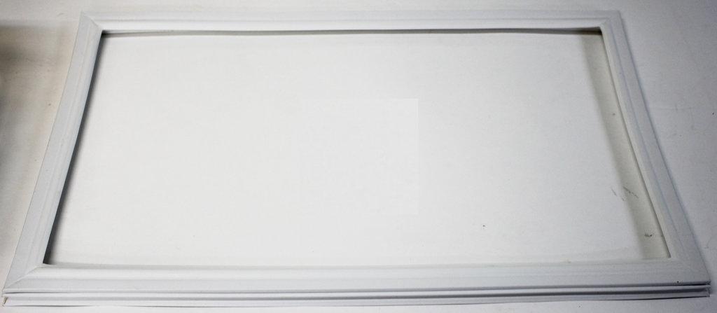 Запчасти для холодильников: Уплотнитель под саморезы 133х56 769748901803 для холодильника Атлант в АНС ПРОЕКТ, ООО, Сервисный центр