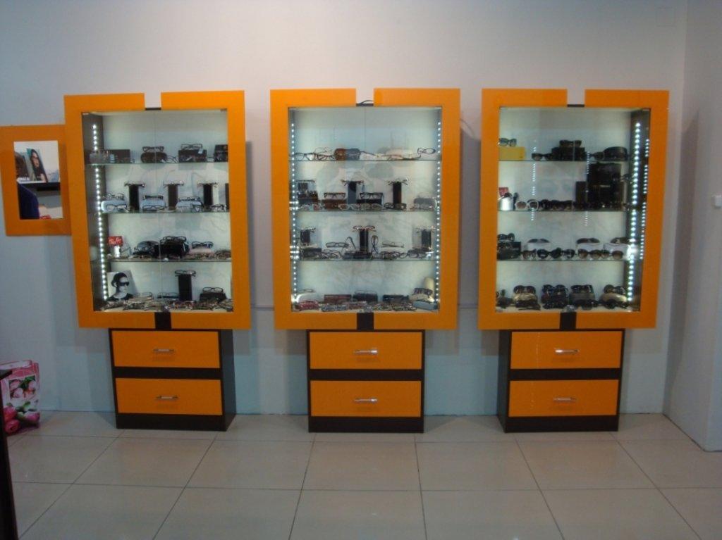 Торговое оборудование на заказ. в Студия Мебели