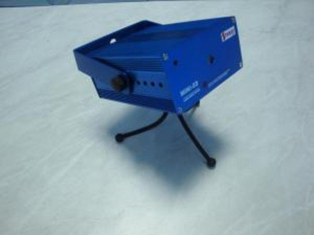 Новогодняя иллюминация: Лазерный проектор MINI-04 в СВЕТОВОД