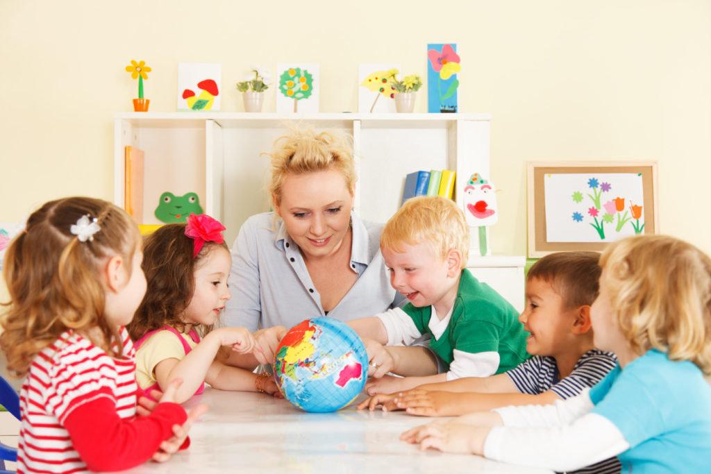 Центры раннего развития: Игровое занятие в Детский центр Фея