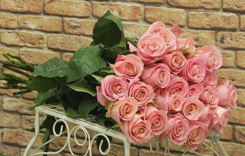 Цветы: Розы розовые в Николь, магазины цветов