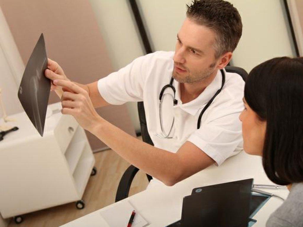 Медицинские услуги: Травматолог в Добрый доктор, медицинский центр