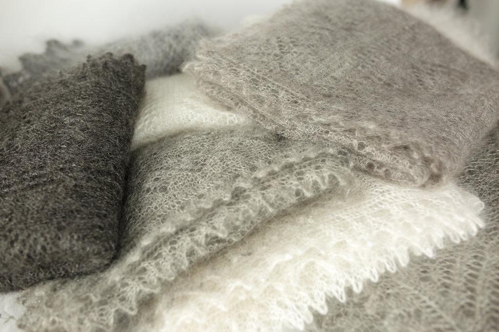 Манишки, шали, шарфы, платки, палантины: Оренбургский пуховый платок (ручная работа) в Сельский магазин