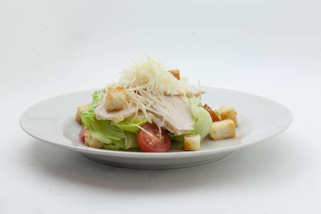 Салаты: Салат Цезарь с креветками в Tokio