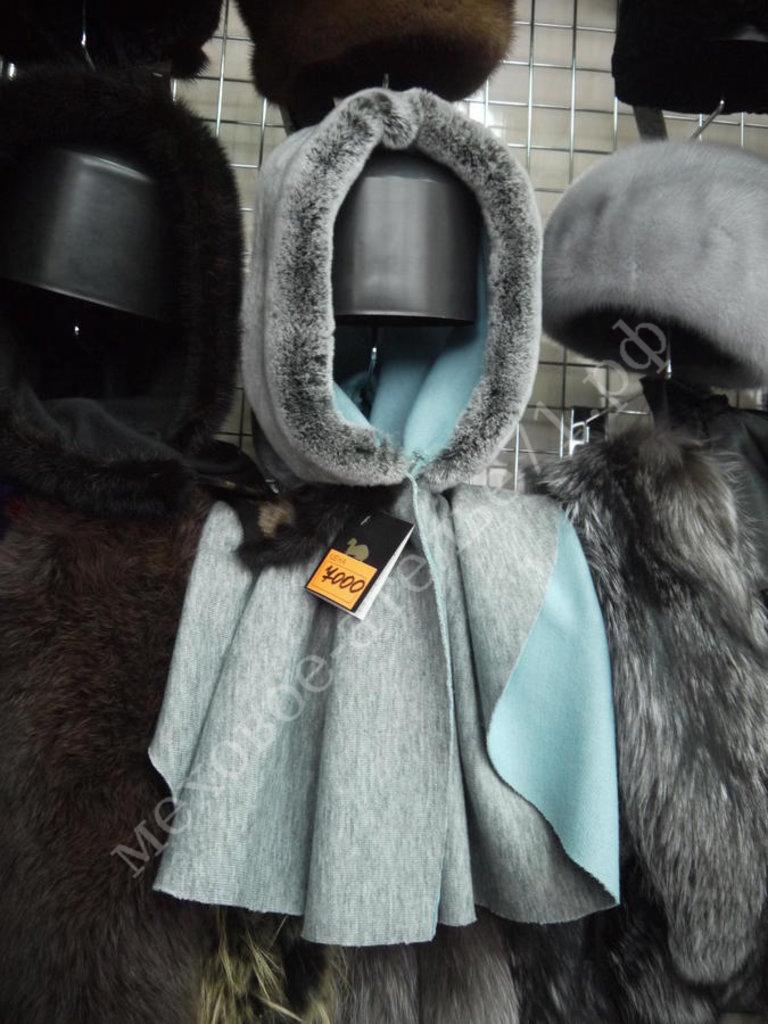 Головные уборы и аксессуары: Головной убор из ткани с мехом в Молодость