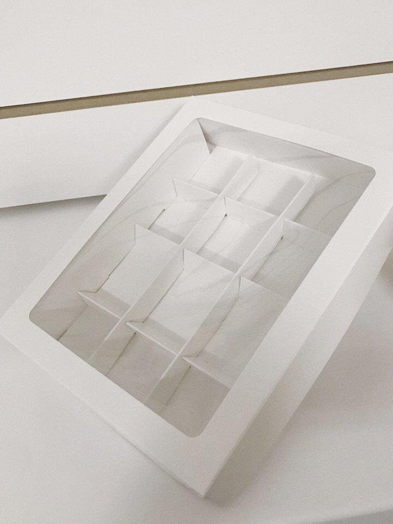 Коробки для конфет и шоколада: Коробка для 12 конфет в ТортExpress