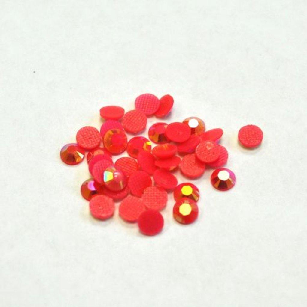 Стразы, полужемчужины, блёстки: Стразы клеевые 1шт красные в Шедевр, художественный салон