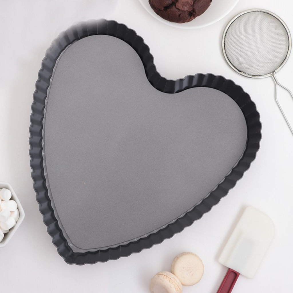 """Металлические и разъёмные формы для выпечки: Форма для выпечки """"Жаклин.Рифленое сердце"""", съемное дно. антипригарное покрытие в ТортExpress"""