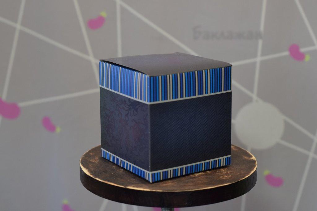 """Подарочная упаковка: Подарочная коробка под кружку """"Синяя"""" в Баклажан, студия вышивки и дизайна"""