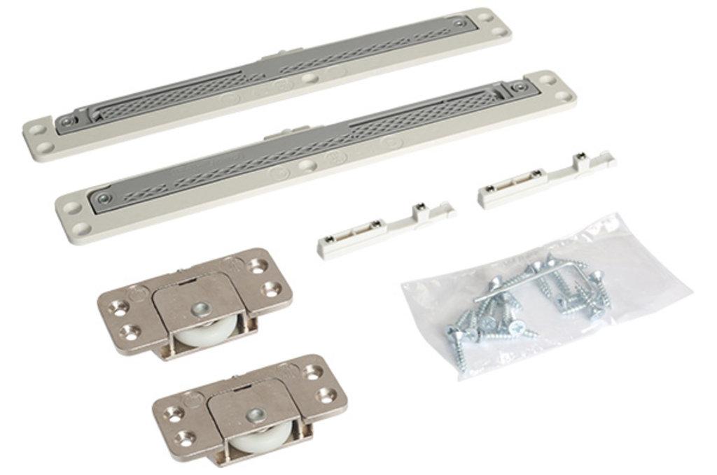Система раздвижных дверей LIVING BASE: Комплект фурнитуры для 1 фасада до 40 кг (глухой/вкладной) с доводчиками в МебельСтрой