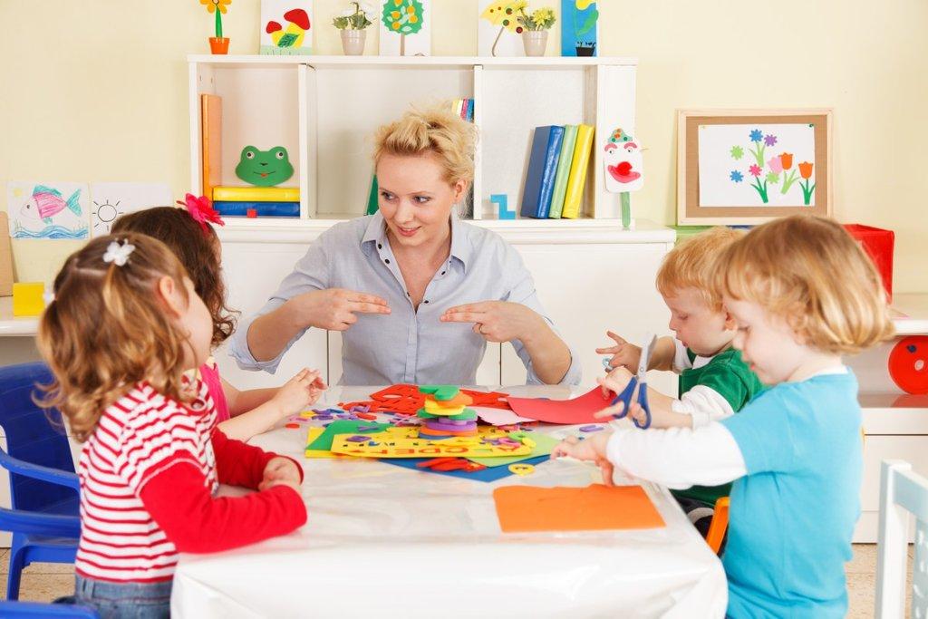 Центры раннего развития: Развивающие занятия для детей в Детский центр Фея