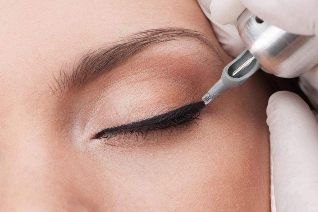 Косметологические услуги: Татуаж глаз в Косметический кабинет в ТЦ ЦУМ, ИП Кочнева Т.В.