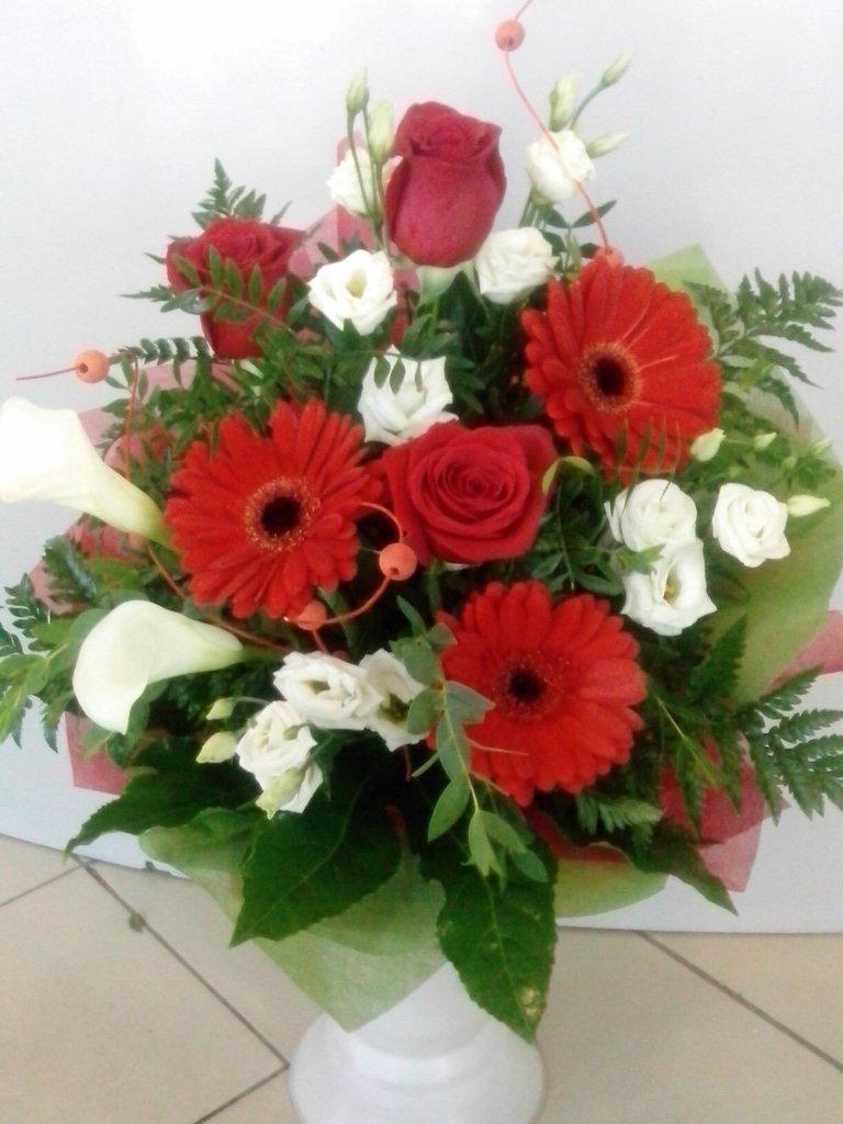 Букеты: Букет № 4 в Николь, магазины цветов