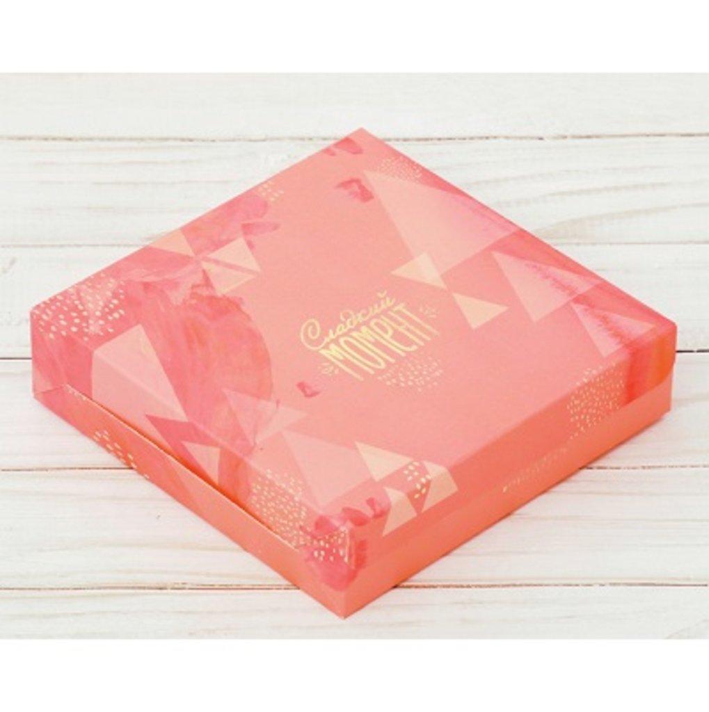 Коробки для кондитерских изделий: Упаковка для сладостей 14х14х3,5 см. Сладкий момент в ТортExpress